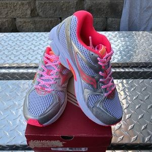 Saucony girls shoes size 4m